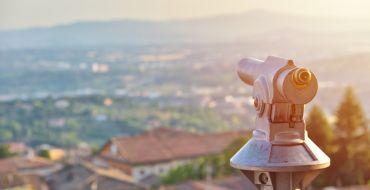Gute Aussichten mit einem Sprachkurs im Ausland – berufliche und persönliche Gewinne warten auf junge Berufsleute.